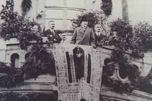 Prezident Tomáš Garrigue Masaryk navštívil Čáslav 23. září 1922. Přivítal ho starosta Karel Cibulka a na jeho prosbu vystoupil a promluvil z balkonu radnice.