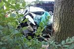Řidič renaultu nezvládl řízení vozu.
