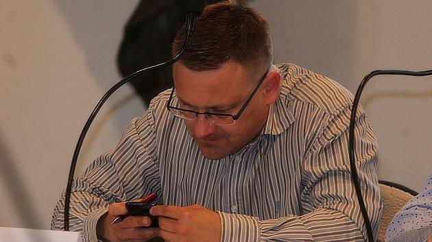 Bývalý starosta Kutné Hory Martin Starý (Město pro lidi) na zasedání zastupitelů města.