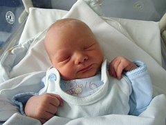 Tomáš Janata se narodil 27. února v Čáslavi. Vážil 2950 gramů a měřil 50 centimetrů. Doma v Čáslavi ho přivítali maminka Šárka a tatínek Tomáš.