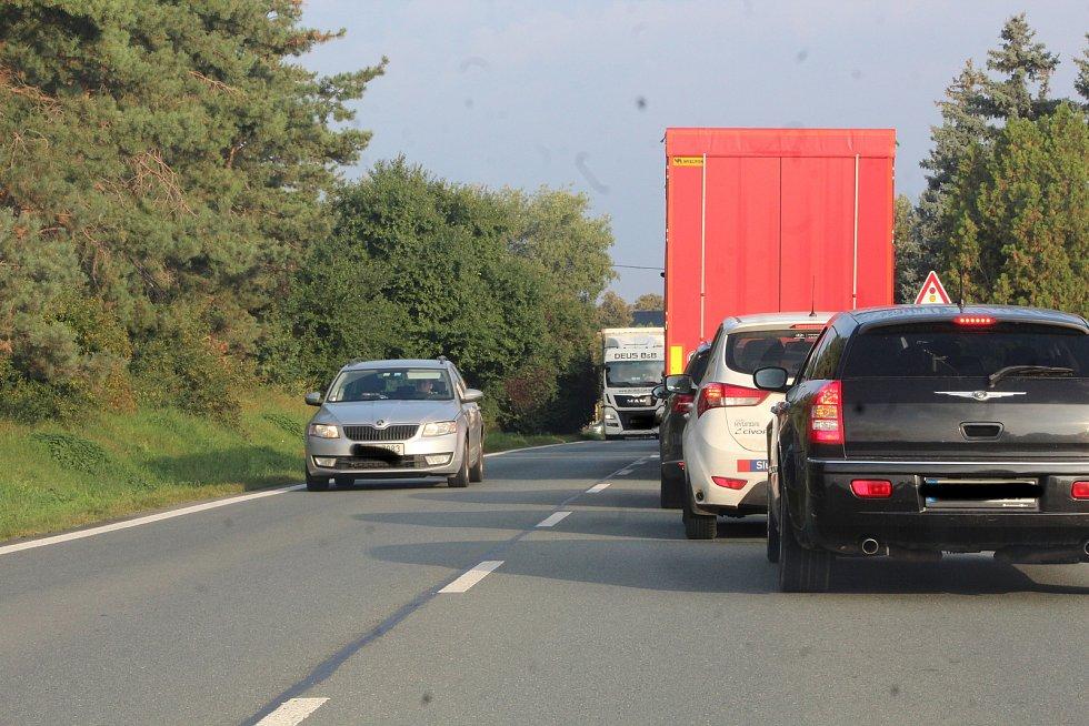 Cesta z Kutné Hory na Hradeckou dálnici se nyní pořádně protáhne.