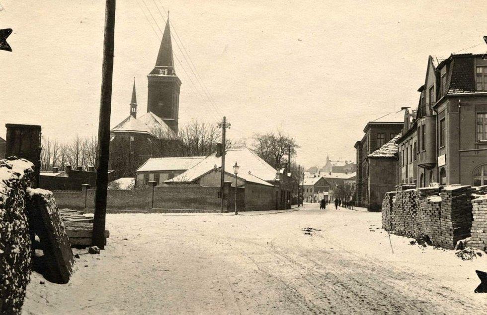 Pohled na zástavbu na křižovatce ulic Masarykova a Štefanikova v Kutné Hoře.