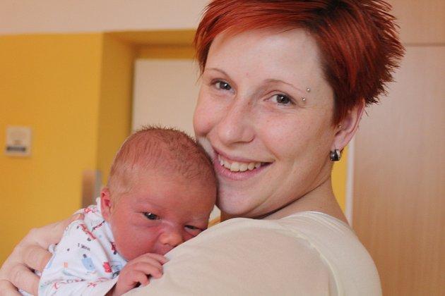 Vít Németh se narodil 21. února v Čáslavi. Vážil 3800 gramů a měřil 52 centimetrů. Doma v Čáslavi ho přivítá maminka Kateřina, tatínek Pavel a sestra Natálie.