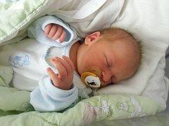 Šimon Josef se narodil 16. července v Čáslavi. Vážil 3600 gramů a měřil 49 centimetrů. Doma v Čáslavi ho přivítali maminka Jana, tatínek Michal a bratr Erik.