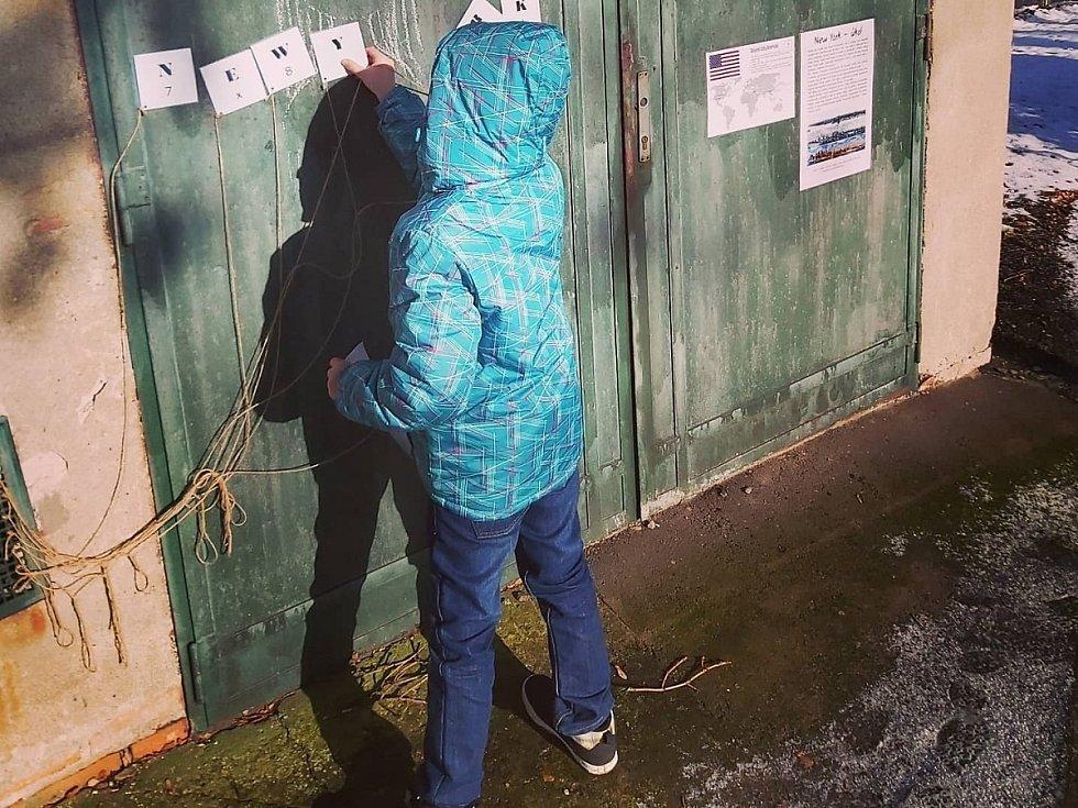 Ze soutěže 'Cesta kolem světa' na zahradě Domu dětí a mládeže v Kutné Hoře.