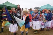Dožínky oslavili v Červených Janovicích.