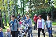 Park v Uhlířských Janovicích byl plný pohádkových postav.