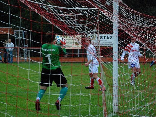 Fotbal OP: Malešov - K. Hora B 2:2, sobota 10. října 2009