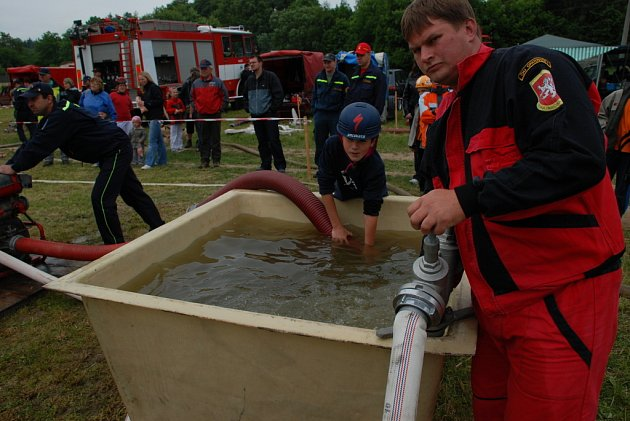 Dětská hasičská soutěž v Opatovicích I konaná v rámci oslav 110. výročí založení místního sboru dobrovolných hasičů.