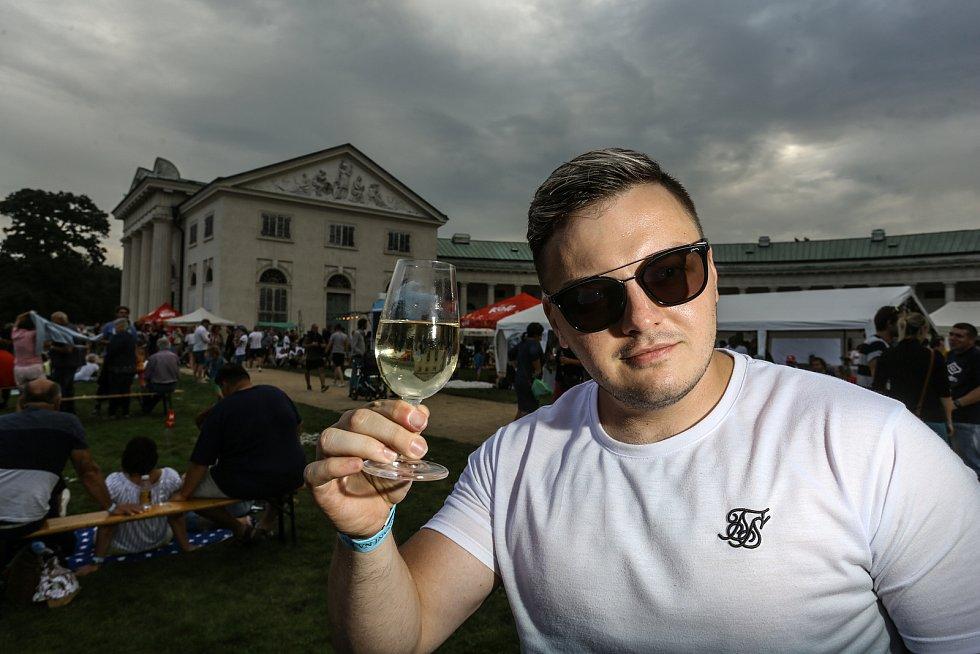 Vinobraní a dožínky na Kačině.
