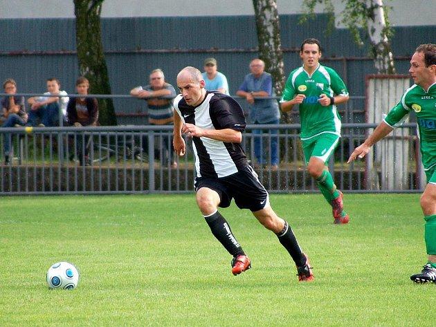 2. kolo I. A třídy: Uhlířské Janovice - Nymburk, 14. srpna 2010.
