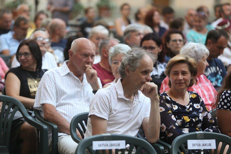 Premiéra inscenace ochotnického spolku Tyl v sobotu 31. července 2021.