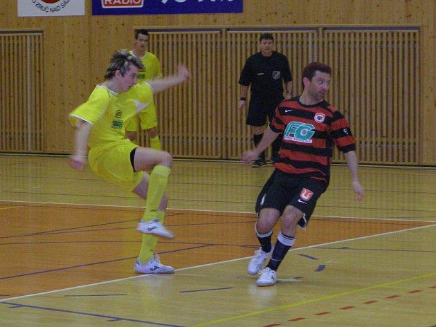 Z futsalového utkání čtvrtfinále play off Benago Zruč - Nejzbach Vysoké Mýto (6:1)