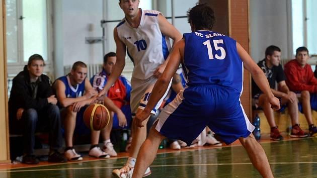 Kutná Hora porazila v basketbalu Slaný, 6. října 2013.