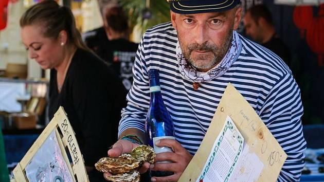 Ze street food festivalu Dobré jídlo světa.