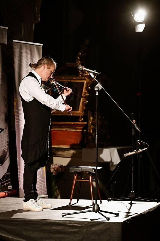 Z koncertu Pavla Šporcla v Katedrále Nanebevzetí Panny Marie a sv. Jana Křtitele v Kutné Hoře.