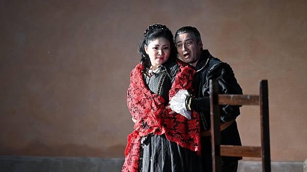 Operní týden pokračoval představením Rigoletto.