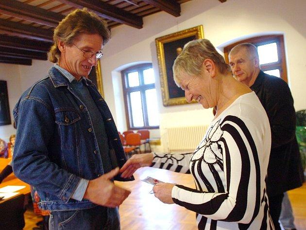 Český červený kříž v Kutné Hoře ocenil dárce krve. 12.12. 2012