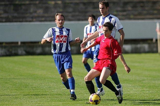 Z fotbalového okresního derby I.A třídy Kutná Hora - Čáslav B (2:2)