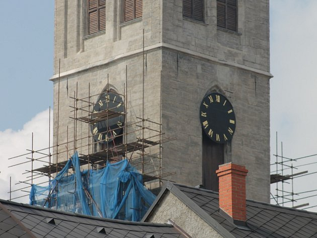 Na kostel sv. Jakuba se vrátil poslední ciferník