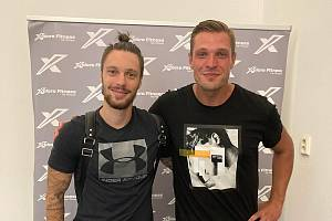 Do Červených Janovic míří další slavná posila. Manažer a hrající trenér Štěpán Kacafírek (vpravo) představil Václava Kadlece.