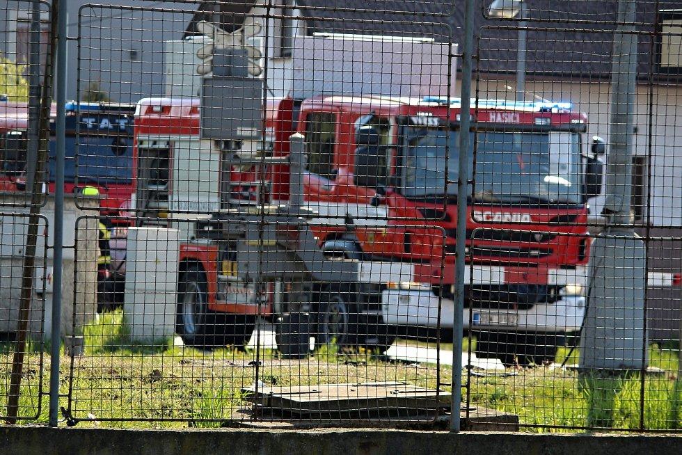 Tragická dopravní nehoda na železničním přejezdu v Hlízově.
