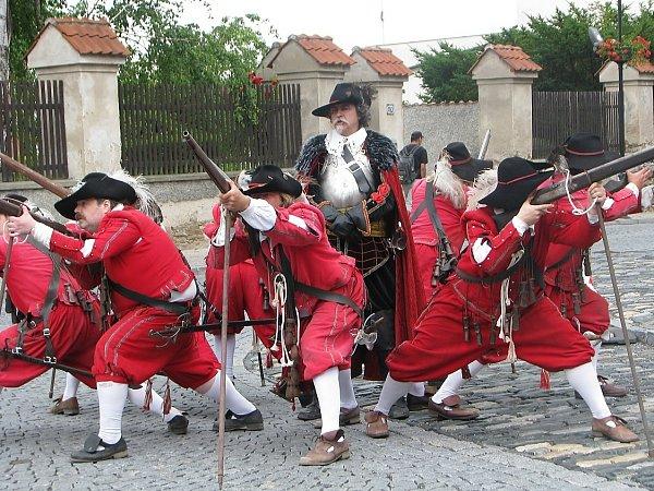 Historická skupina Magna Moravia vystoupila při oslavách 750.výročí od založení města Čáslav. Josef Langr vystupuje vroli velitele gardistů.