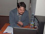 Film Žijeme Zručí byl premiérově uveden ve Spolkovém domě ve Zruči nad Sázavou.