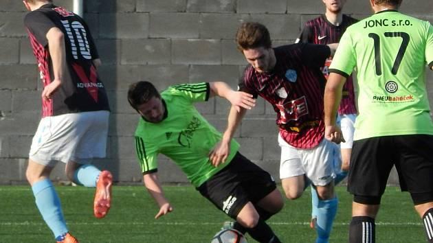 17. kolo fotbalové I. A třídy: Čáslav B - Rejšice 4:0 (1:0).