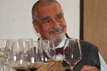 Scelování vín Cuvée Samet sKarlem Schwarzenbergem v klášteře svaté Voršily v Kutné Hoře.