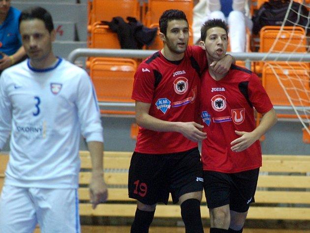 2. semifinále ChFL: FC Tango Brno - FC Benago Zruč n. S. 3:9, 3. května 2013.