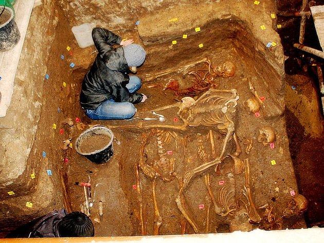 Kutnohorská kostnice vydala další unikát: 30 hromadných hrobů.