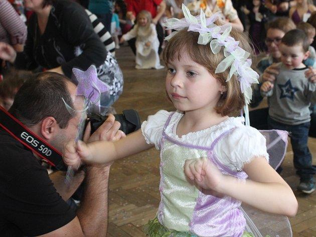 Karneval v kulturním domě v Bílém Podolí 22. března 2014