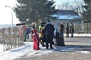Ani mrazivé počasí neubralo účastníkům žandovského masopustu na dobré náladě.