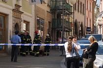 Podezření na únik plynu v budově banky v Husově ulici v Kutné Hoře