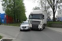 Dopravní nehoda ve Vrchovské ulici v Čáslavi.