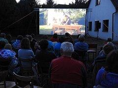 Letní putovní kino v Petrovicích II