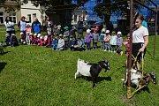 Děti navštívily zemědělskou školu.
