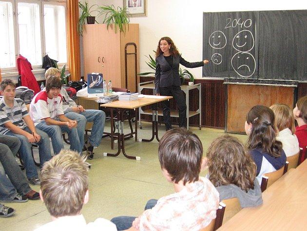 S žáky devátých tříd z kutnohorské Základní školy T. G. Masaryka si o finančních záležitostech povídala Lucie Simpartlová.