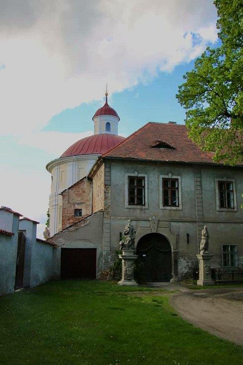 Nové Dvory a Nový rybník objektivem Šárky Geierové.