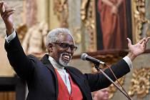 V rámci Noci kostelů vystoupil  americký zpěvák Lee Andrew Davison.