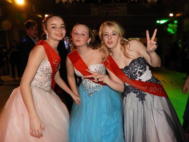 Studenti Střední zemědělské školy Čáslav měli svůj maturitní ples