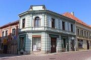 Nyní sídlí středisko A+D v Tříkrálovém domě v Tylově ulici, charitní obchůdek mají v ulici Puškinská.