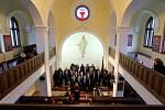 Ze slavnostního koncertu k stému výročí založení Církve československé husitské v židovské synagoze v Kutné Hoře.