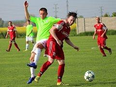 Fotbalisté Hlízova porazili Suchdol a vedou okresní přebor s náskokem dvanácti bodů.