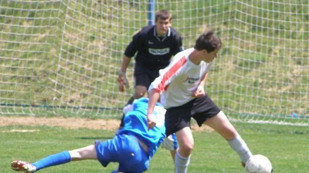 Z utkání divize dorostu ml. dorost FK Kolín - ml. dorost Čáslav 1:0, sobota 23. května 2009