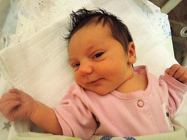 Anna Stolínová se narodila 26 .prosince jako prvorozená dcera rodičům Ivaně a Jakubovi z Kutné Hory. Po narození se mohla pyšnit váhou 3680 gramů a mírou 55 centimetrů. Hodně štěstí.