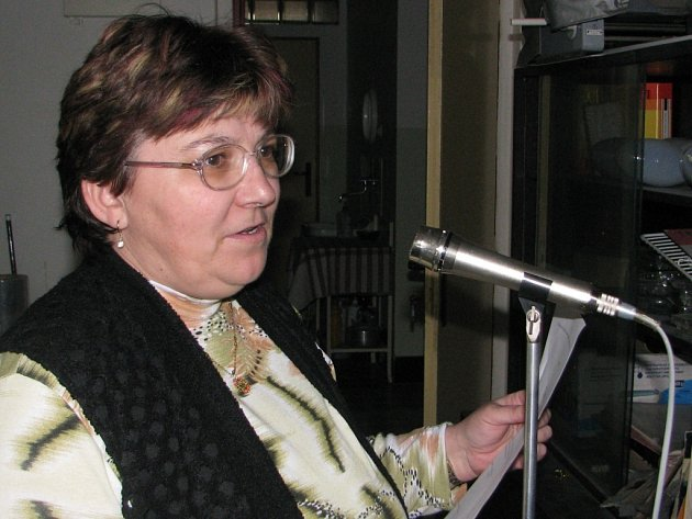 Hlášení rozhlasem má na Obecním úřadě v Záboří nad Labem na starosti Jaroslava Šubrtová.