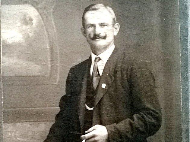 Jan Kunášek se stal hned na začátku 1. světové války nezvěstným