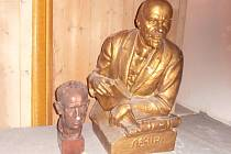 Busty Antonína Zápotockého a V. I. Lenina.